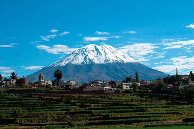 Discover-the-stately-Arequipa-City---Pariwana-hostel02