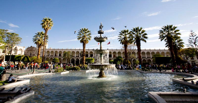 Discover-the-stately-Arequipa-City---Pariwana-hostel03