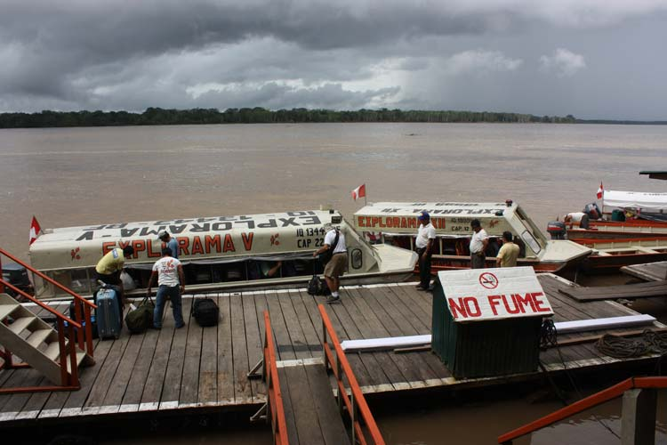 Travel-trips-for-boat-travel-in-the-Peruvian-Amazon-–-Part-2-Rapidos-speedboats---Pariwana-hostel-05