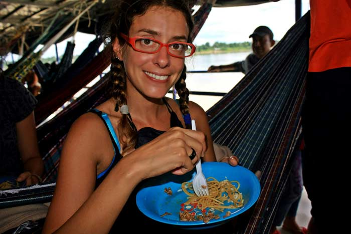 Travel-trips-for-boat-travel-in-the-Peruvian-Amazon3-06