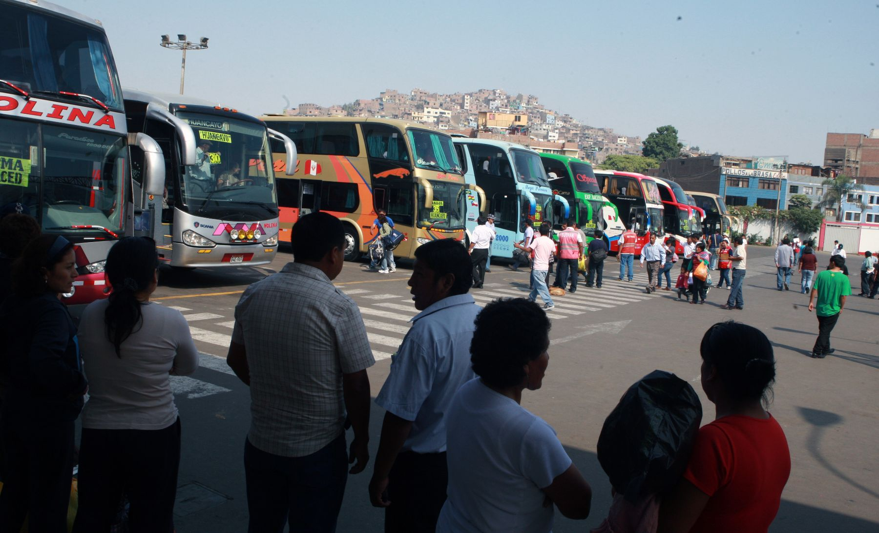 10-important-rules-for-traveling-on-buses-in-Peru---Pariwana-hostels02